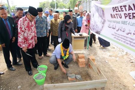 Peletakan Batu Pertam masjid 4 Lantai Fatima Zahra